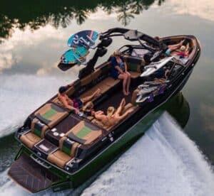 Malibu Boats 25 LSV Wakesetter